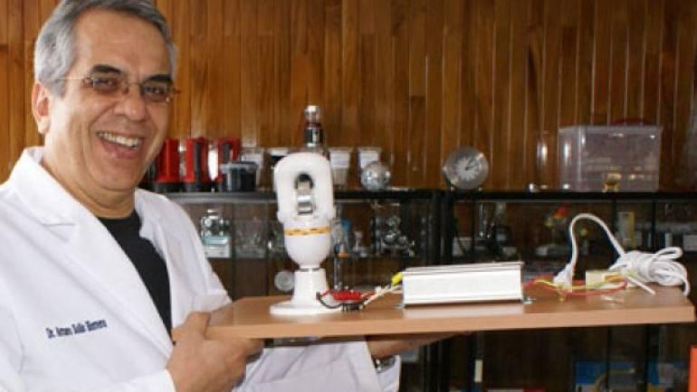 """Científico mexicano patenta en Rusia la sorprendente """"fotosíntesis humana"""""""