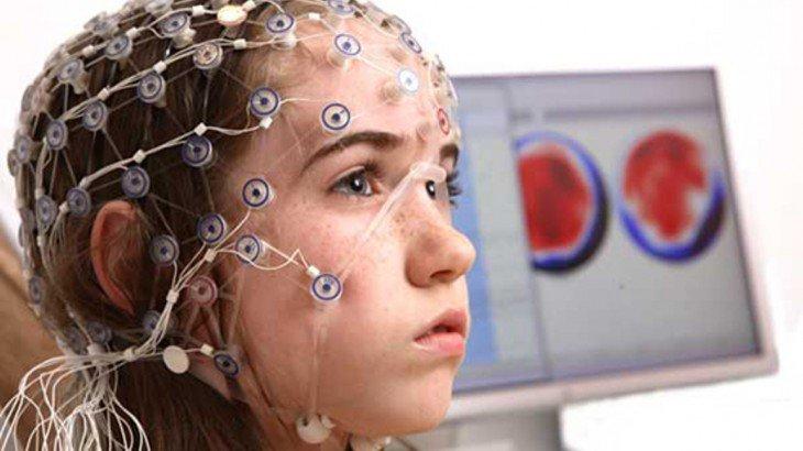 """Es posible """"Insertar"""" conocimientos directamente en el cerebro?"""